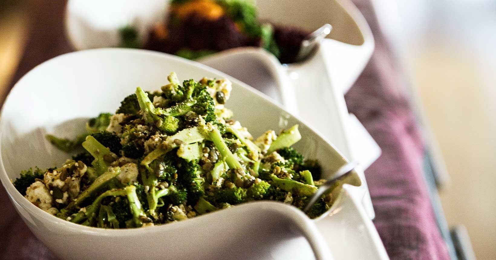 broccoli fetaost sallad