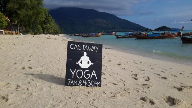 Castaway skylt yogastrand