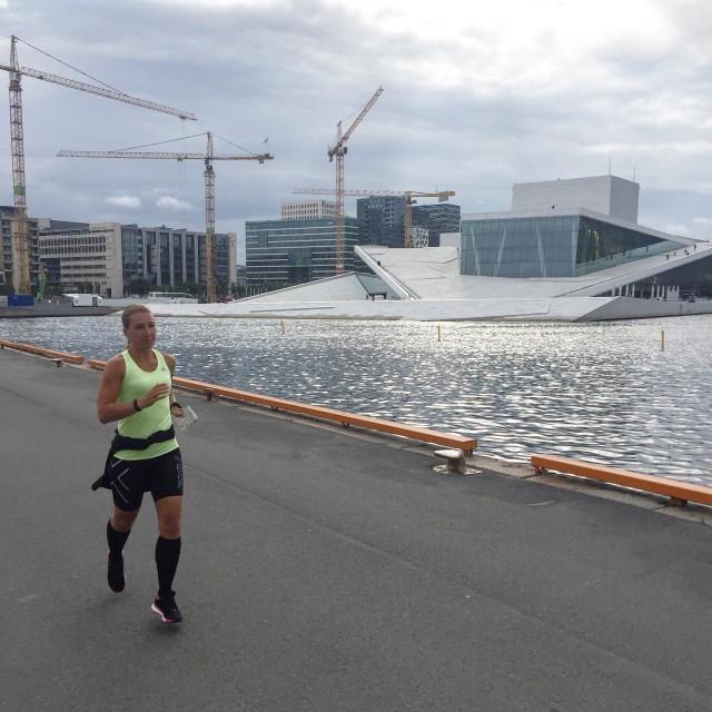 Vickan springer i Oslo