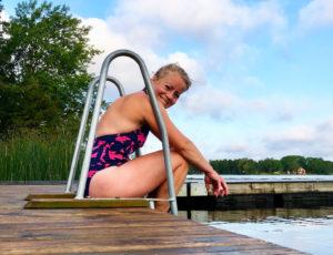 Morgondopp i sjön i augusti