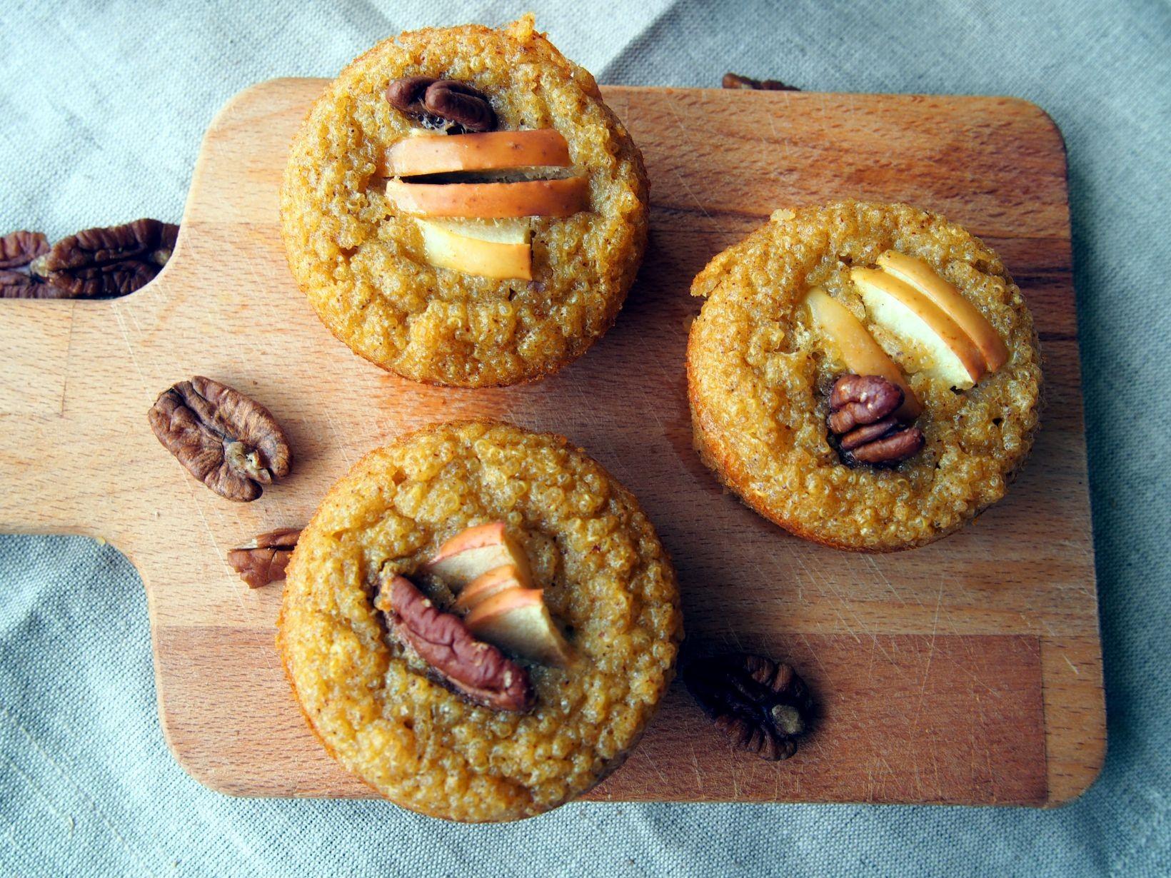 quinoamuffins med äpple och kanel